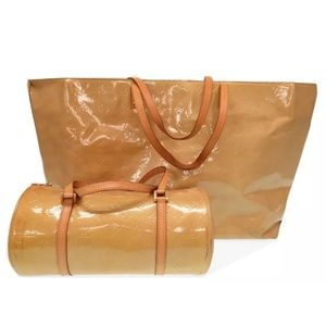 f8d97530a0 Louis Vuitton Bags - SALE🌺LV Reade GM